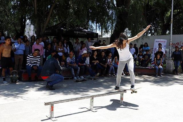 Gobierno de la ciudad de Puebla premia a jóvenes skaters en Xonaca