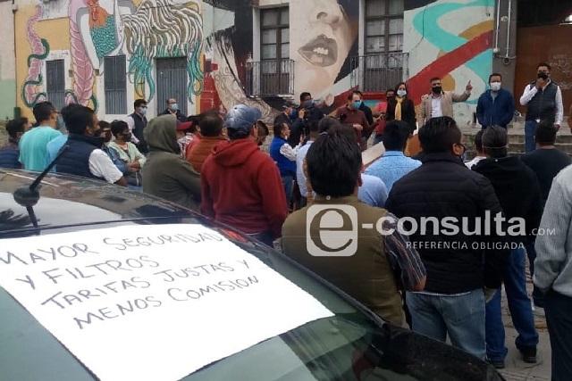 Cocinan asociación choferes de Uber y Didi en Puebla