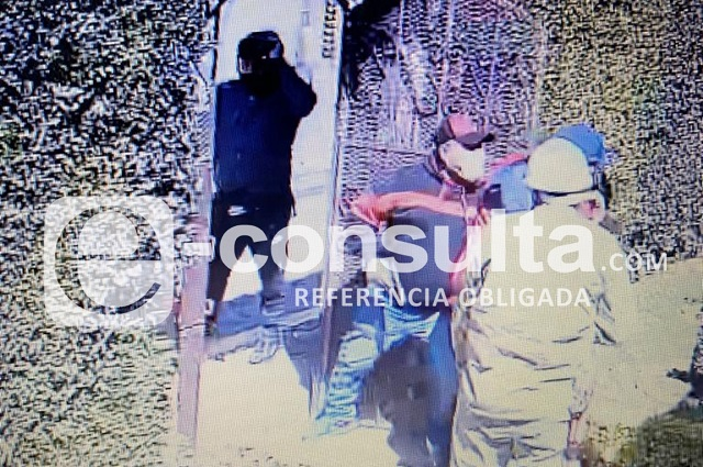 Fingen ser de la CFE y asaltan casa en San Pedro Cholula