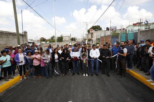 Gobierno capitalino entrega calle pavimentada en La Resurrección