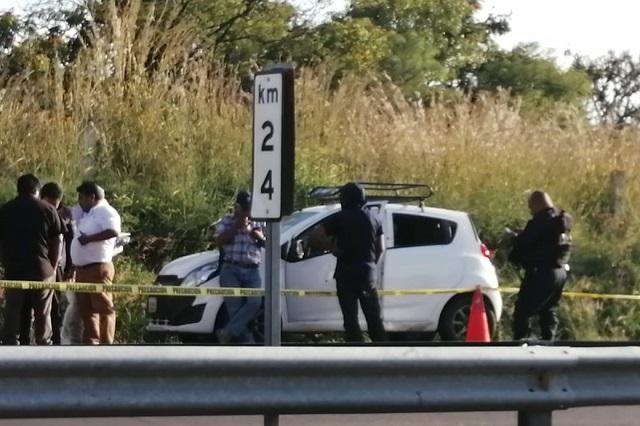 Ejecutan a balazos a conductor sobre la autopista Puebla- Atlixco