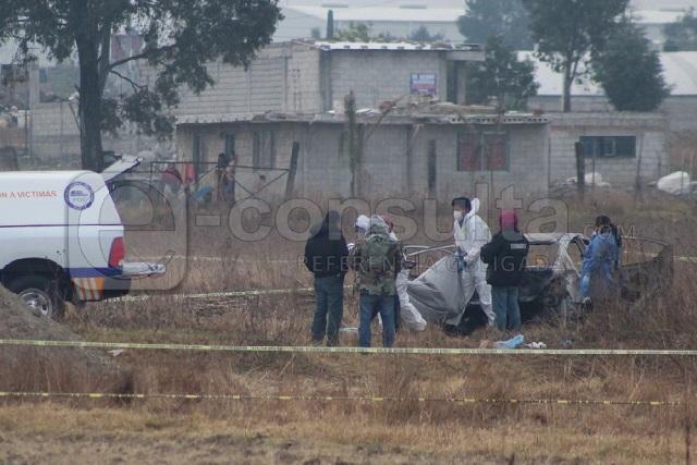 Calcinan vehículo con 5 cadáveres, en Cuautlancingo