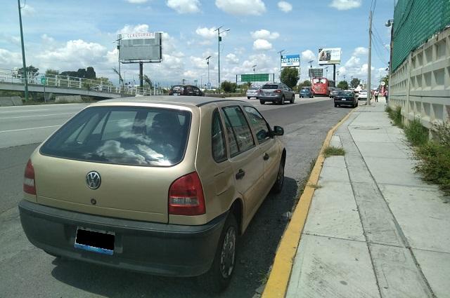 Improvisan sentidos contrarios por obras en Periférico de Puebla
