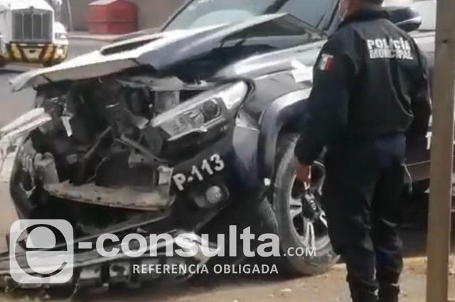 Tren arrolla patrulla municipal en Tehuacán; 2 agentes heridos