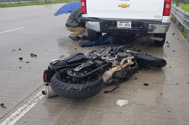 Motociclista derrapa y muere en el Periférico de Puebla