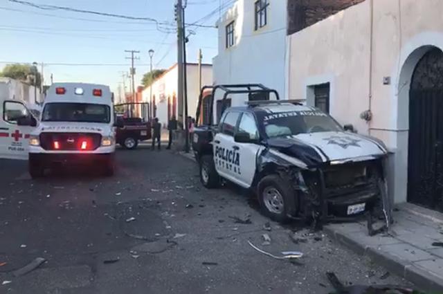 En minutos destrozan dos patrullas de la Policía Estatal