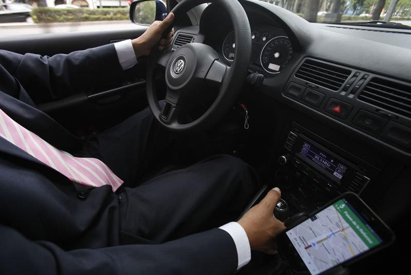 Propone Gali cancelar registro a Uber y Cabify si alteran información
