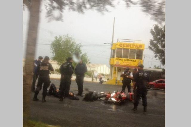 Policía Estatal resulta lesionado al chocar camino a Xochimehuacán
