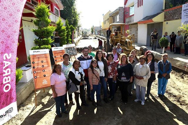 Supervisan obras de pavimentación en colonia Del Valle en Puebla