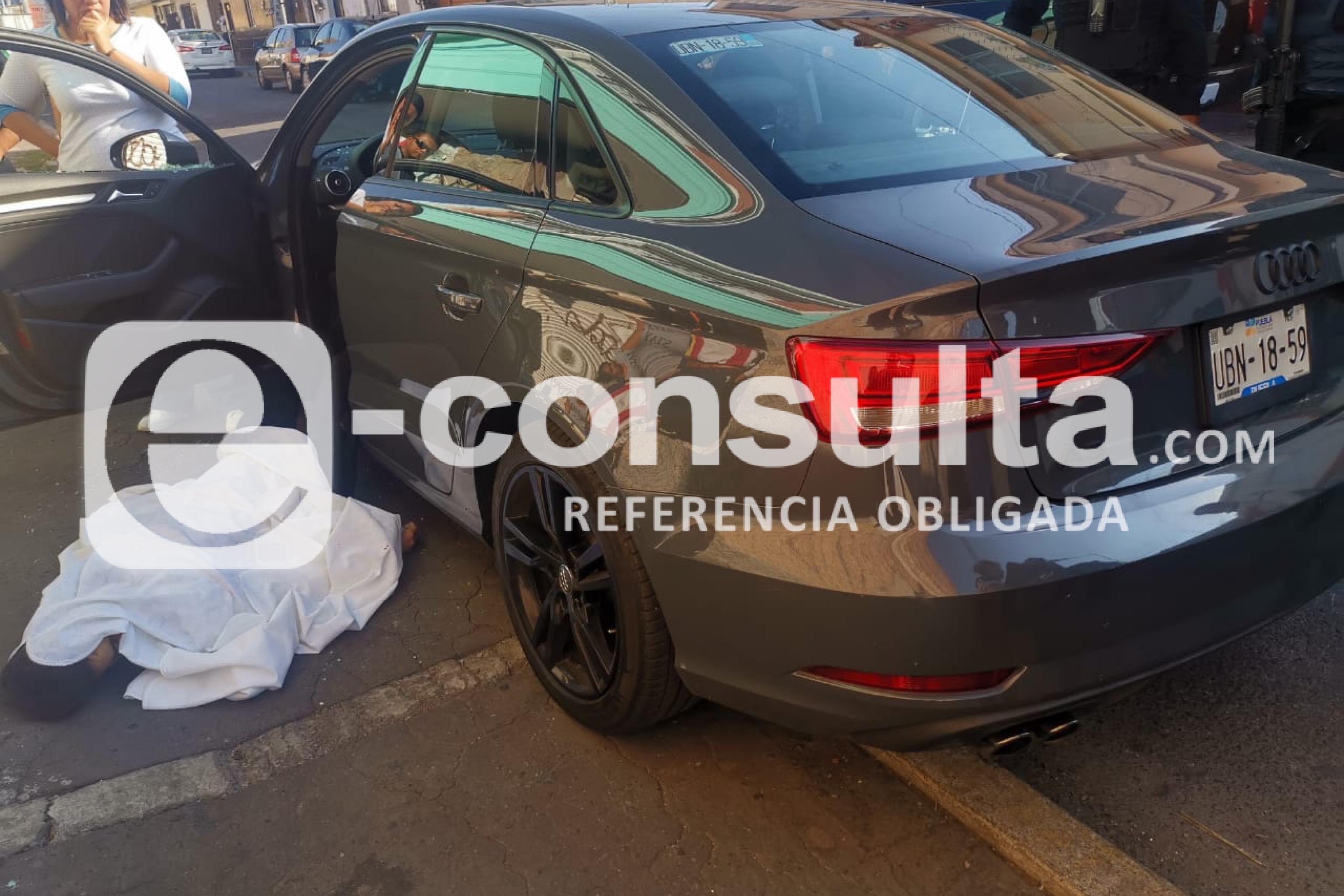 Asesinan a hijo de empresario para robarle su Audi en Puebla