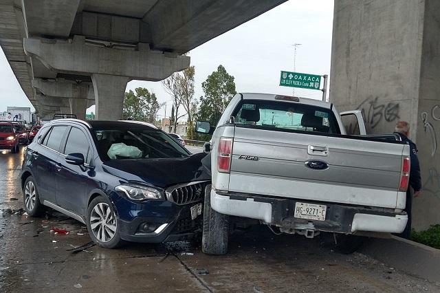 Carambola deja tres heridos en la autopista México- Puebla