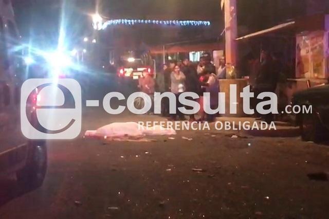 Atropella y mata a mujer que iba a subir a taxi en Castillotla