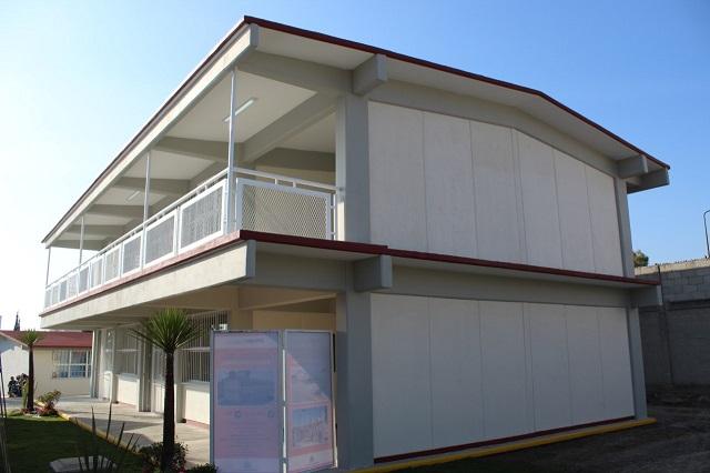 Entrega gobierno capitalino aulas en primaria de Balcones del sur