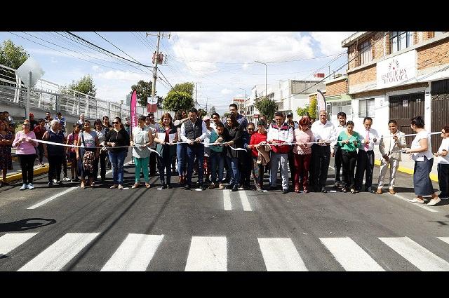 Rehabilitan 1 km de carpeta asfáltica en avenida Cue Merlo