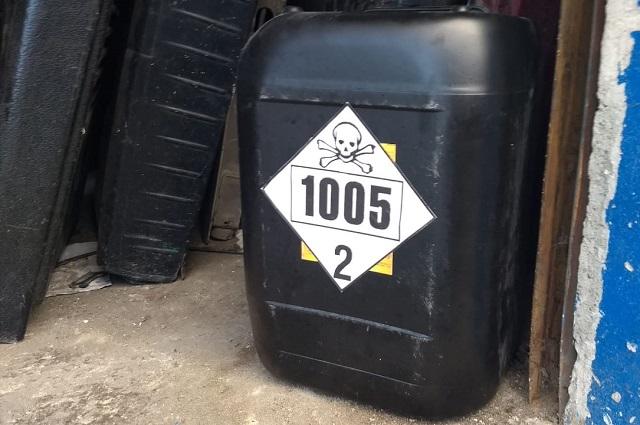 Operativo en la 46 poniente halla contenedores con químicos