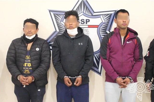 Identifican a los que robaron tanques de oxígeno en Amozoc