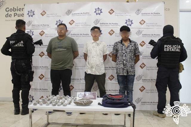 Arrestan a asaltantes de transporte y negocios; llevaban droga