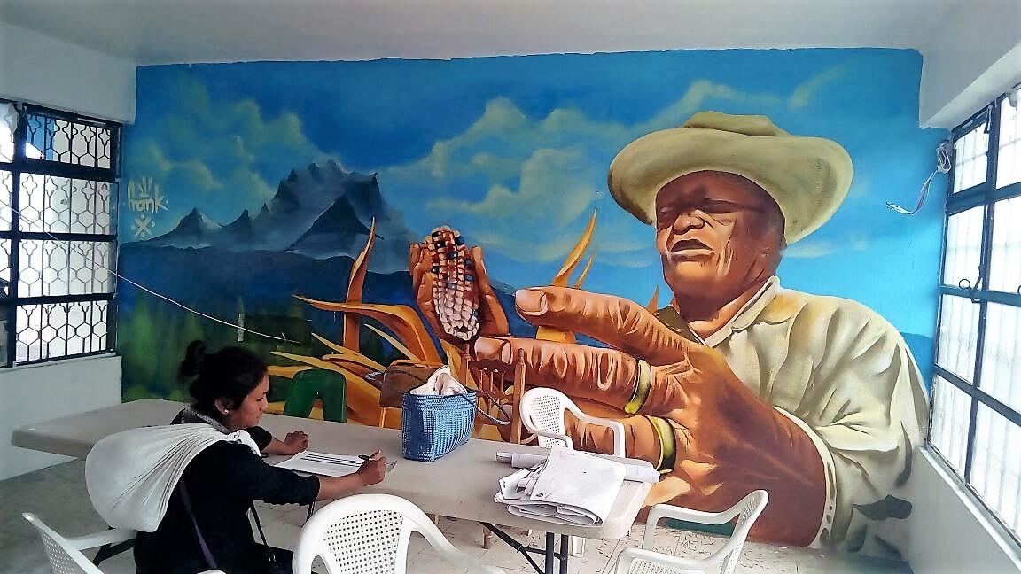 Pintan murales en Comedores Comunitartios de la Sedesol