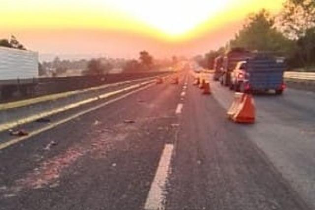Muere arrollado en la autopista México-Puebla, en la región de Texmelucan