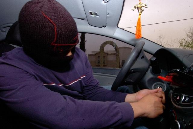 Prenden focos rojos en Puebla por robo de vehículos y violaciones
