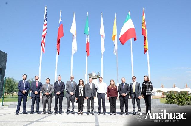 CEO de HSBC México imparte conferencia en la Anáhuac Puebla