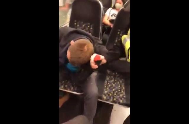Policía le rocía gas pimienta por negarse a usar cubrebocas