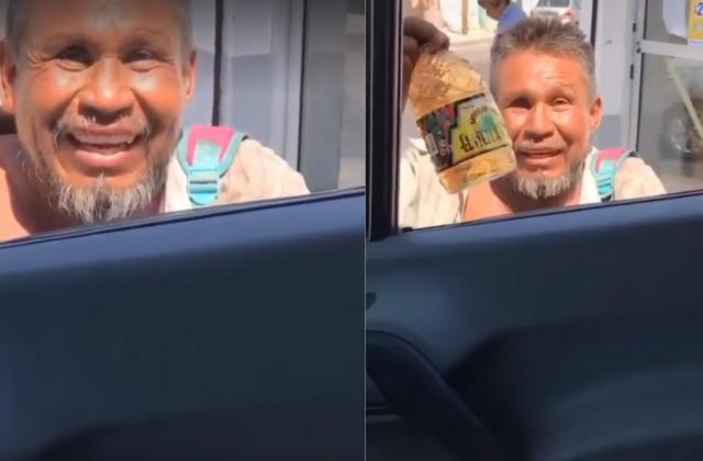 Le pide $1 para completar para su Tonayán
