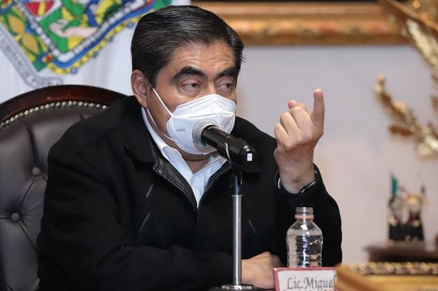No dialogamos con delincuentes, responde Barbosa a El Toñín