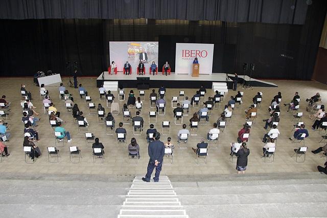 Celebra IBERO Puebla años de servicio de sus colaboradores