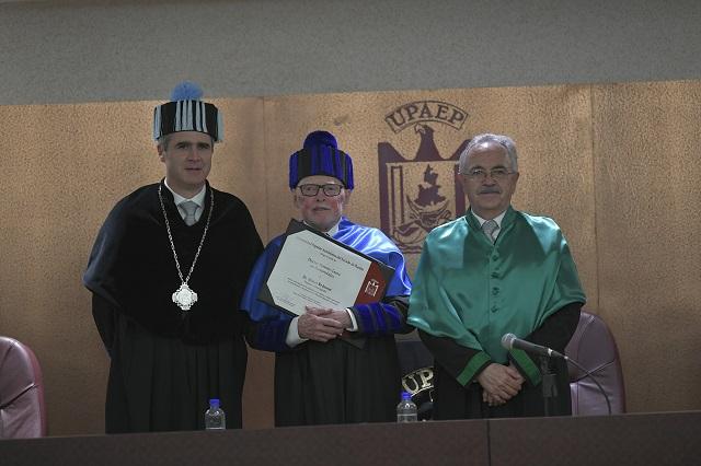 UPAEP otorga Doctorado Honoris Causa al Dr. Walter Redmond