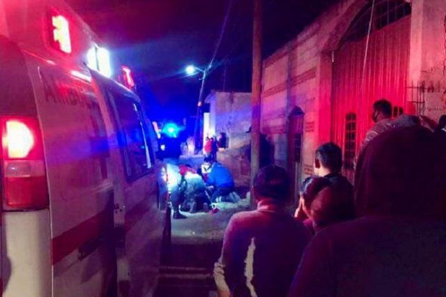 Delincuentes balean a policías y matan a uno, en Huejotzingo