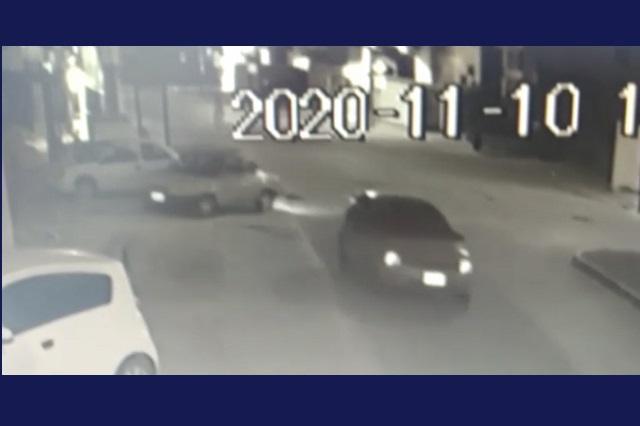 En menos de 2 minutos roban auto en Bosques de Chapultepec