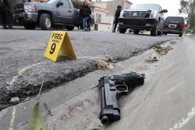 Joven y mujer resultan heridos  durante balacera en Moyotzingo