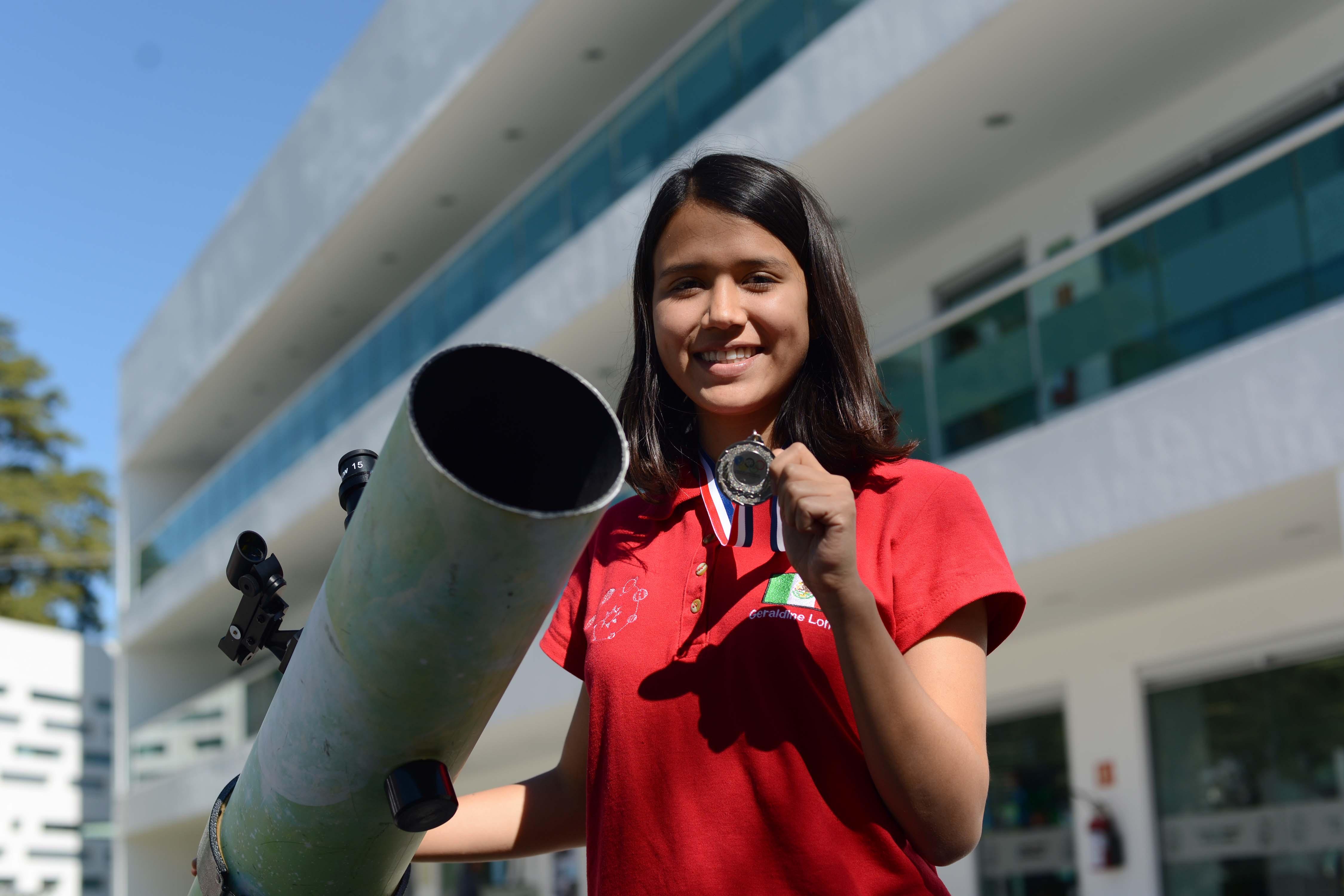 Estudiante BUAP, medalla de plata en Olimpiada de astronomía y astrofísica