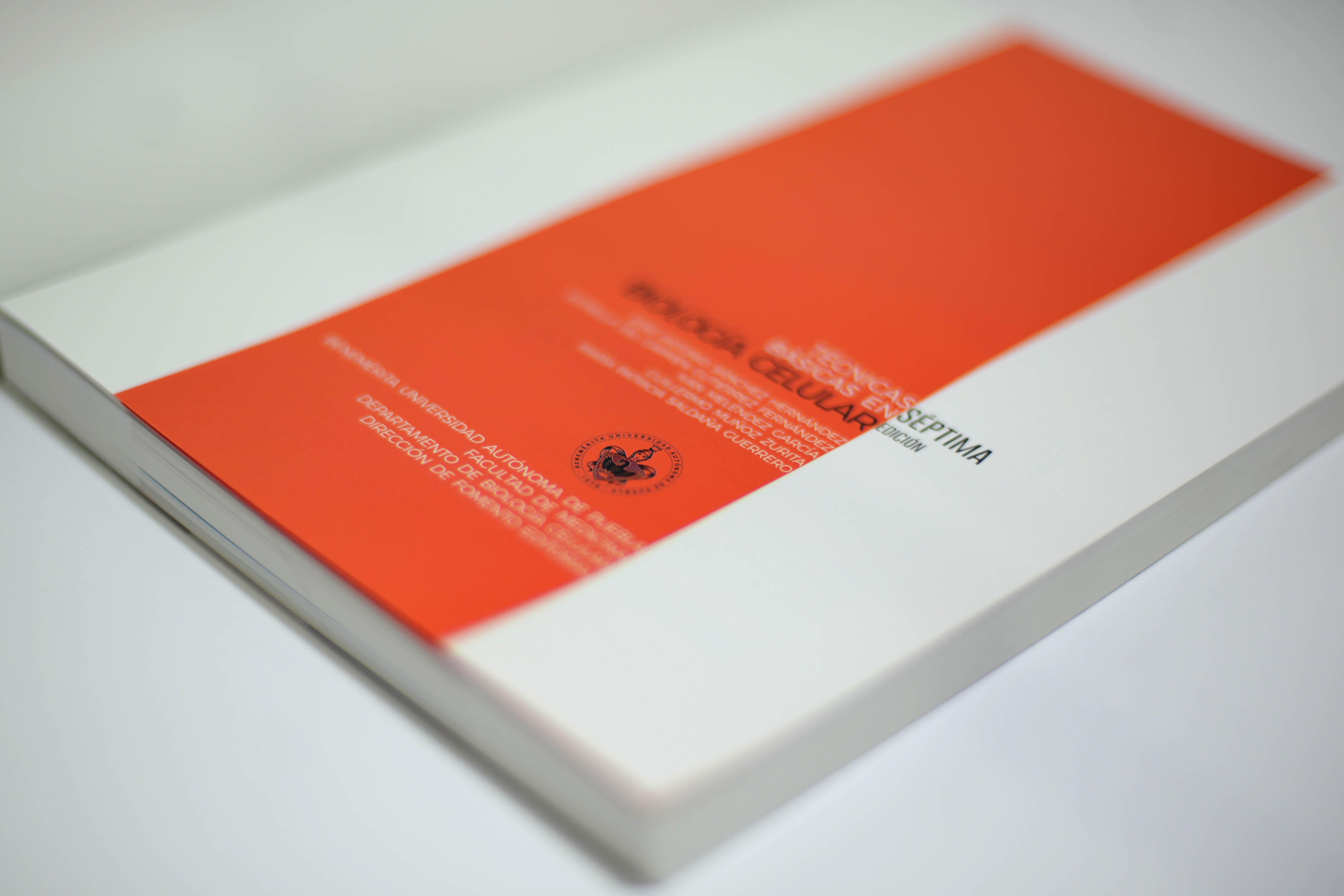 Por libro de medicina, BUAP recibe premio de la industria editorial