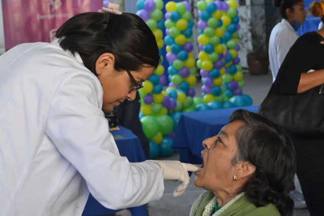 Realiza Hospital Universitario feria de la salud