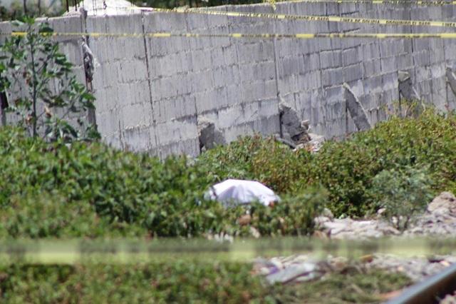 Arrojan a encobijado en San Pablo Xochimehuacán