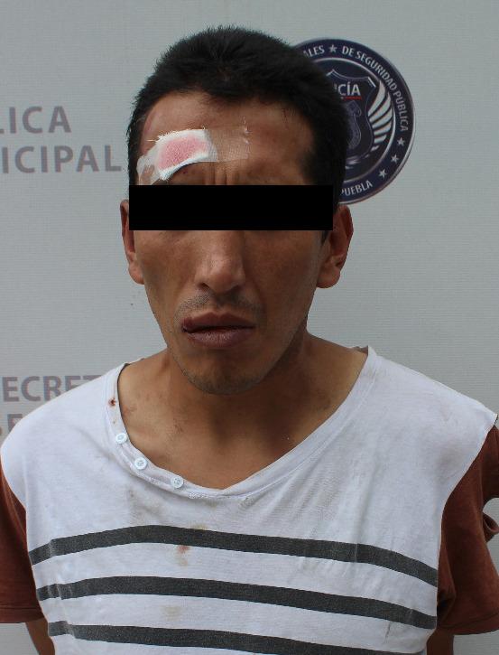 Van a prisión dos acusados de asaltar tiendas Oxxo en Puebla