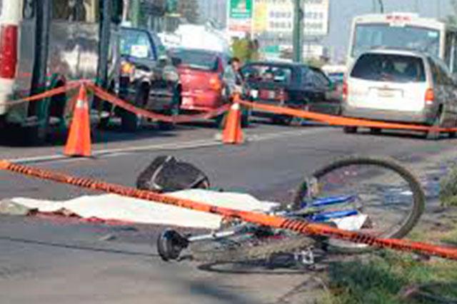 Ahora un tráiler embiste y mata a otro ciclista en el DF