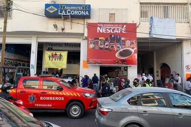 Por aforo rebasado clausuran abarrotes La Corona en Tehuacán