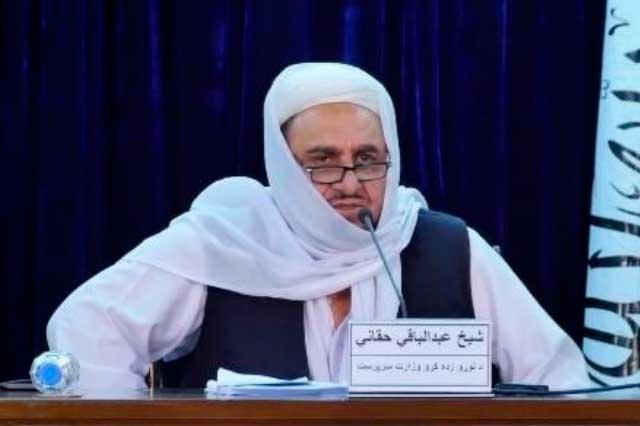 Talibanes separan a mujeres y hombres en universidades