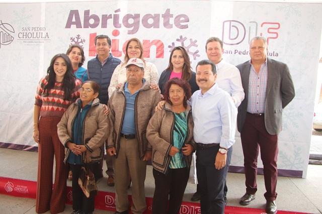Inicia en San Pedro Cholula programa Abrígate Bien