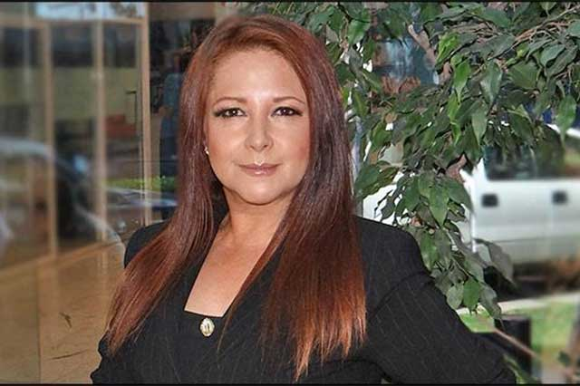 Actriz Abril Campillo cree en los milagros: le dan 6 meses de vida