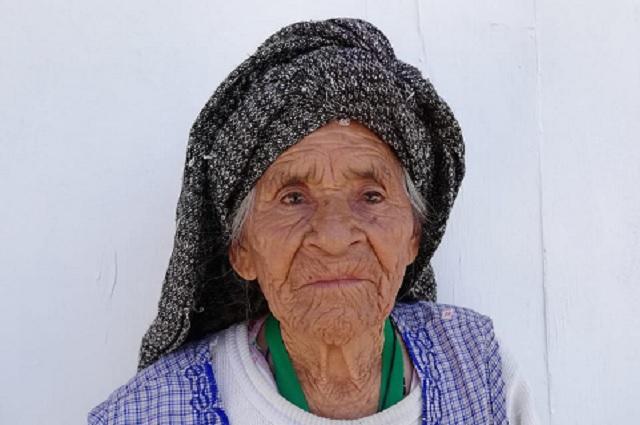 En Tehuacán 2 de 10 abuelitos se niegan a vacunarse contra Covid-19