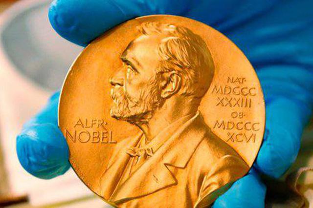 Por escándalo sexual suspenden entrega del Premio Nobel de Literatura