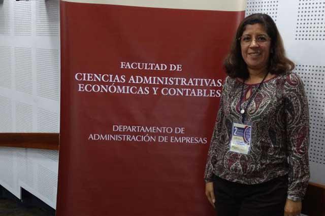 Académica Anáhuac, en congreso sobre innovación, en Colombia