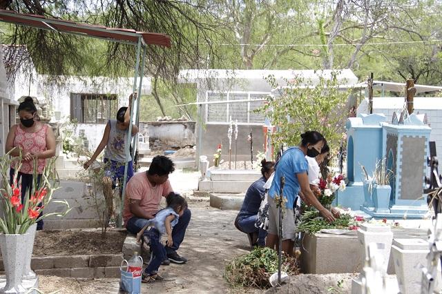 Registran alza de defunciones por Covid-19 en Acatlán