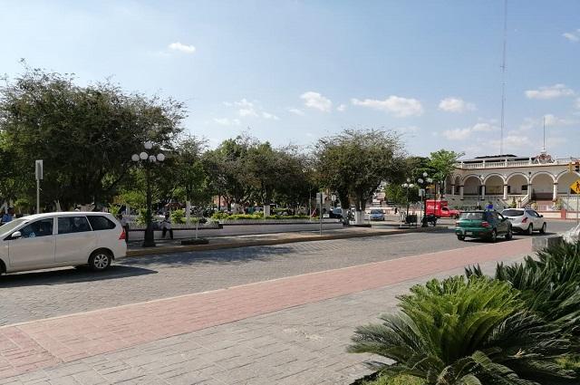 Cierran establecimientos de bebidas alcohólicas en Acatlán