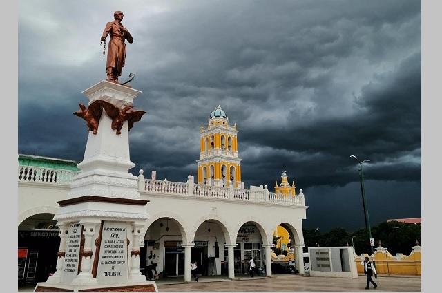 Tres de cada diez personas en Acatlán cuentan con su INE vencida
