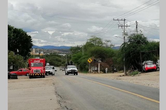 Acusan a delegado de movilidad y transporte por extorsión en Acatlán